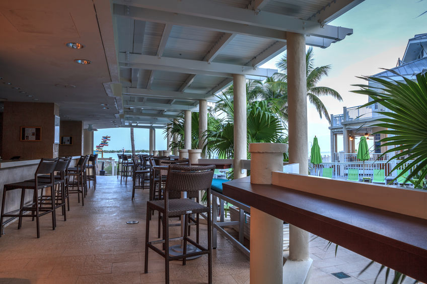 Enjoy Outdoor Dining with a Boca Boat Rental